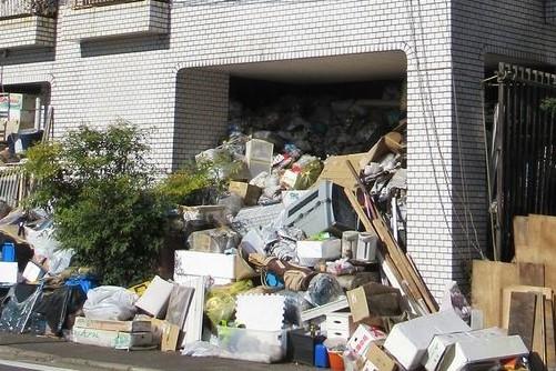 「ゴミ屋敷」になる方に多い「セルフネグレクト」ってなに?